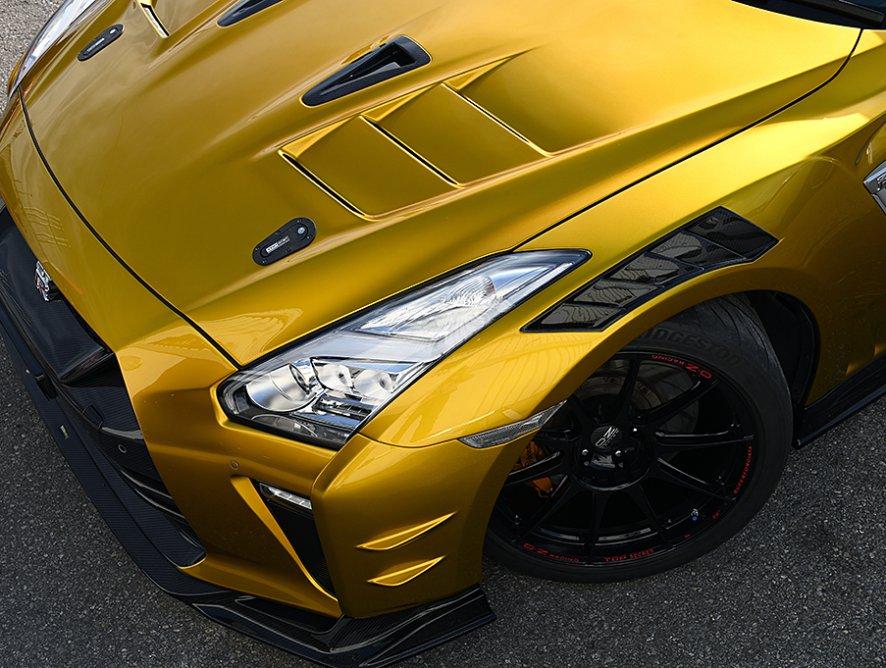 R35 GT-R用『M17 フルバンパーキット Ver.S(ショートノーズ)』を発売
