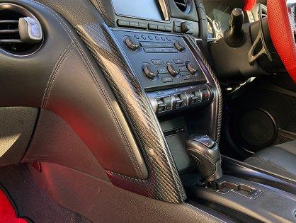 R35GT-R用カーボンダッシュパネルを発売